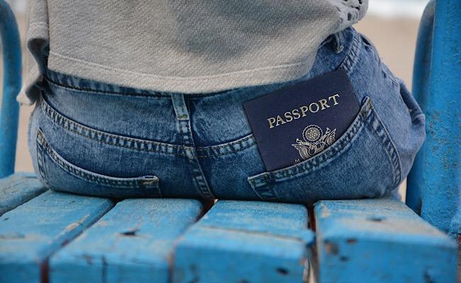 尻ポケットとパスポート